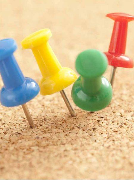 Chinchetas de Colores (100 unidades)