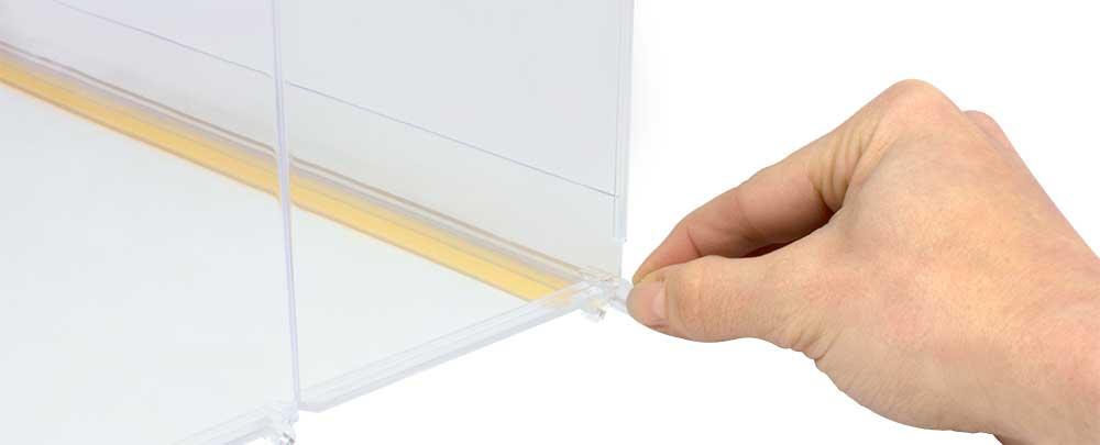 Divisor Plástico Transparente Quebradizo con L Frontal Derecha detalle