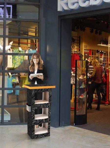 Mostrador de cartón modelo Londres