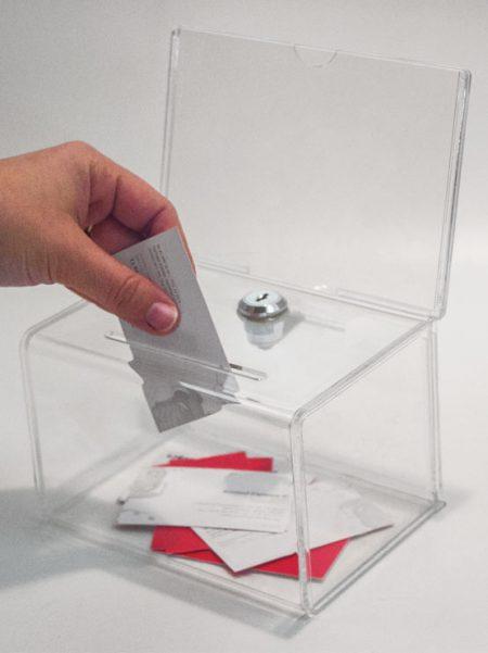 Urna de Metacrilato Pequeña con Porta Gráficas (2 unidades)